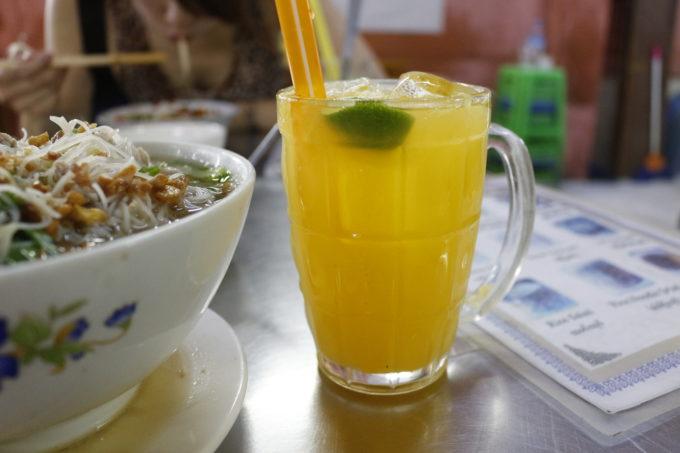 市場で飲んだオレンジジュース