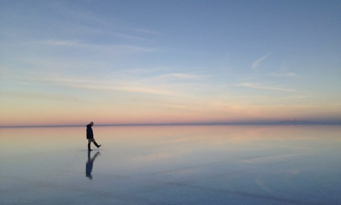 ウユニ塩湖で撮りたいポーズ11選